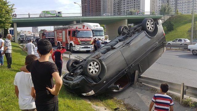 Esenyurt TEM Bağlantı yolunda kaza: 2 yaralı