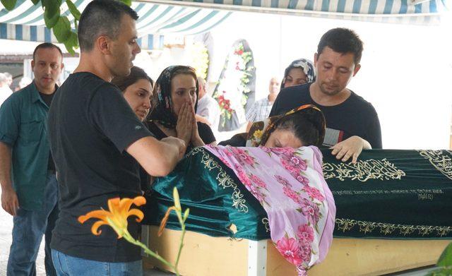 Kazada ağır yaralanan Sedef, kurtarılamadı (2)