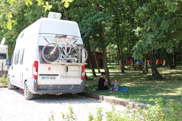 Ormanya, karavan ve çadır kampı yapanların uğrak yeri oldu