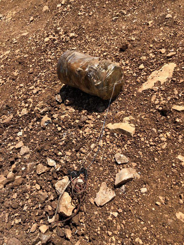 Şırnak'ta toprağa gömülü patlayıcılar bulunup, imha edildi