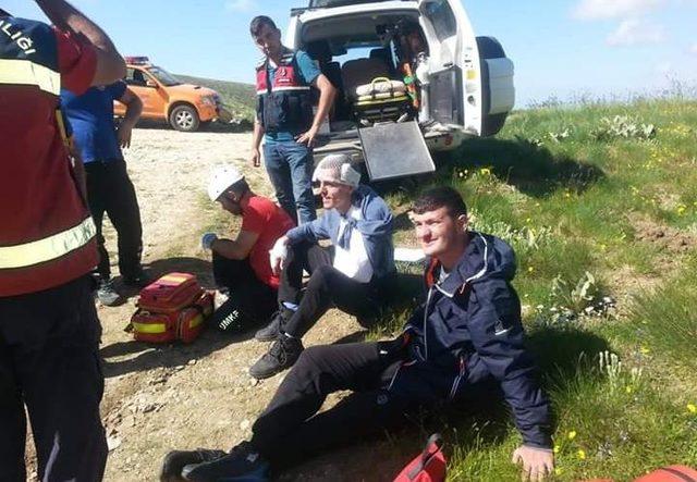 Uludağ'da kamp yaparken yaralanan 2 turist dağcıyı ekipler kurtardı