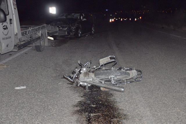 Otomobil ile çarpışan motosikletli öldü