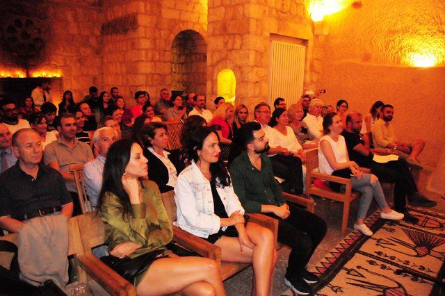 Kapadokya'da tarihi Bezirhane'de opera konseri