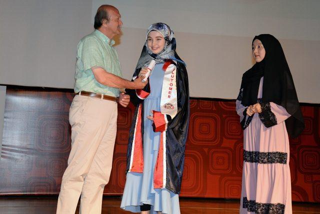 Dünyanın farklı kıtalarından geldiler, Türkçe'yi BUÜ'de öğrendiler