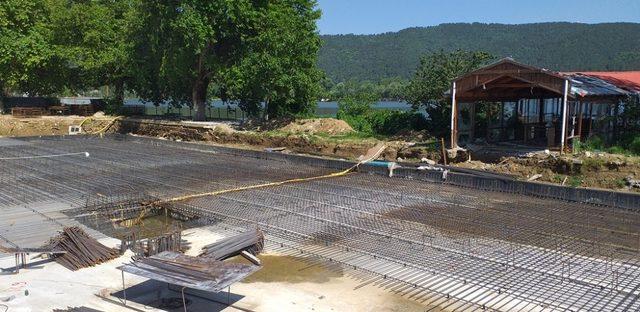 Başkan Eriş, Gölcük Yaylası'nda inceleme yaptı, otel inşaatını gezdi