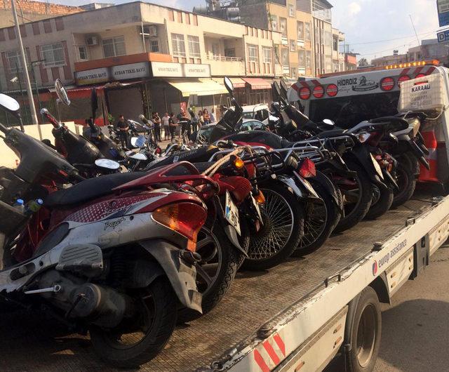 Adana'da 541 motosiklet sürücüsüne 496 bin 851 lira ceza kesildi