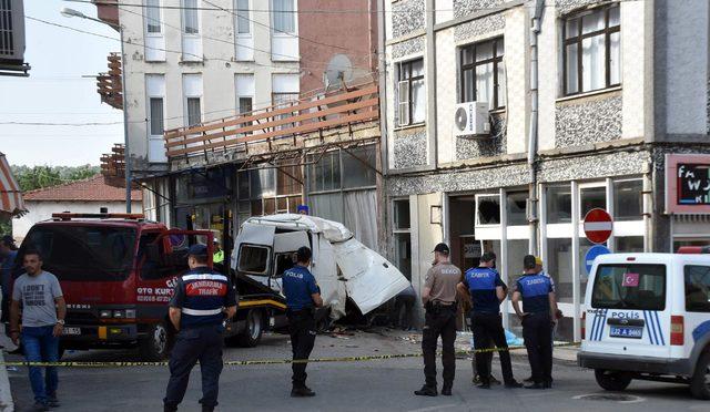 Edirne'de katliam gibi kaza; Minibüse doldurulan 40 göçmenden 10'u öldü (3)