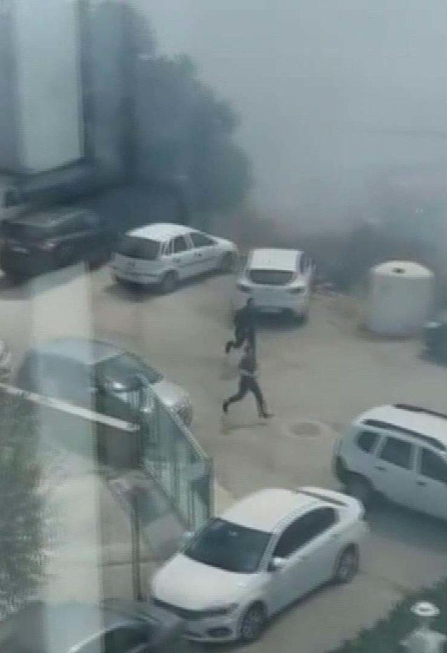 Silivri'de hastane yanındaki tarlada çıkan yangın paniğe neden oldu