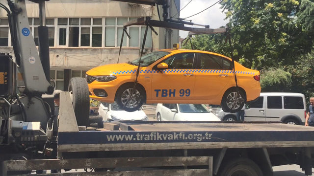 İstanbul'da organize taksi dolandırıcılığı: 23 gözaltı (Geniş haber)