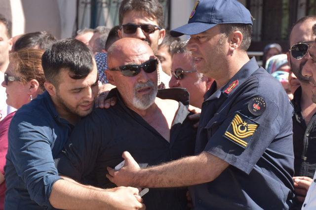 Şehit Jandarma Teğmen Dolunay, İzmir'de son yolculuğa uğurlandı (2)