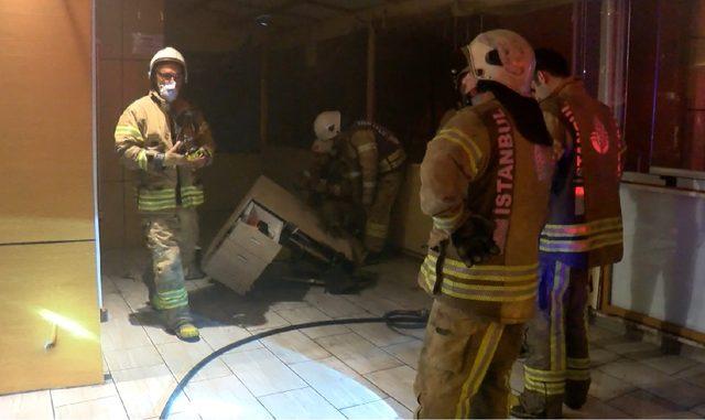 Sancaktepe'de börekçide yangın