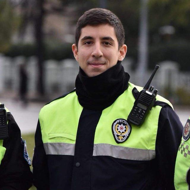 Ayrılığa dayanamayan polis meslektaşlarını yasa boğdu