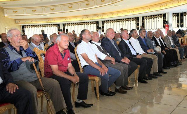 Tuşba'da 'muhtarlarla istişare' toplantısı