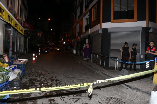 Beyoğlu'nda sokaktakilere ateş açan motosikletli grup 1 kişiyi yaraladı