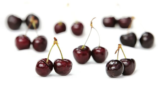 cherries-371233_1920