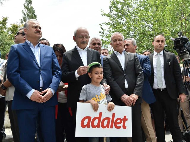 Kılıçdaroğlu: Türkiye kendi güvenliğini sağlamak zorundadır