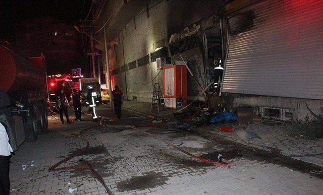 Kızıltepe'de mağaza yangını