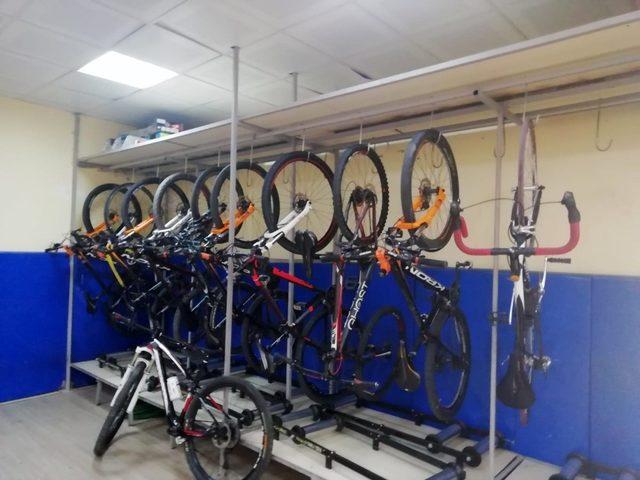 Kayserili bisikletçilerden Balkan Şampiyonası'nda 3 gümüş 1 bronz madalya