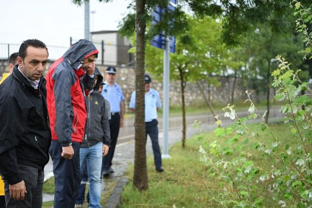 Başkan Kocaman, yağış sonrası incelemelerde bulundu