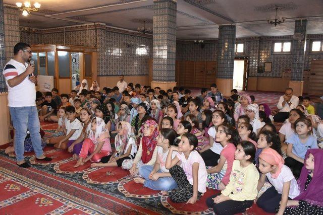 Kur'an kursu öğrencilerine sağlıklı yaşam eğitimi