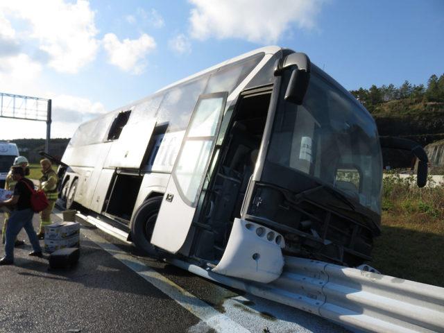 Yavuz Sultan Selim köprüsü girişinde otobüs kazası: Yaralılar var (1)