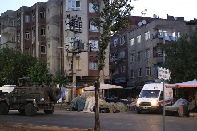 Diyarbakır'da eve operasyon: 1 terörist öldürüldü