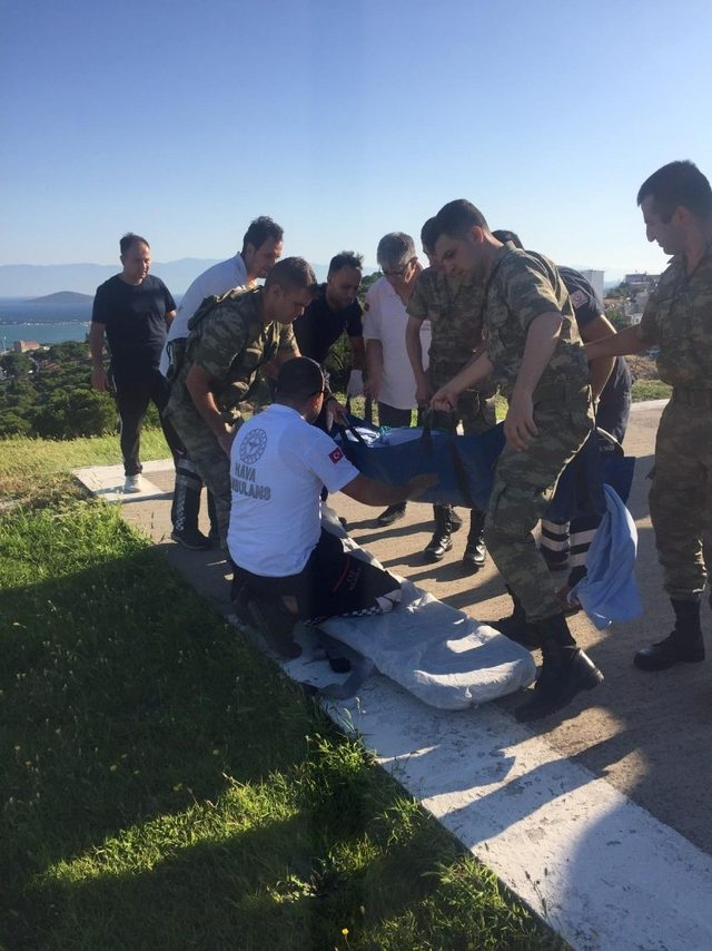 Ayvalık'ta ambulans helikopter acil vakayı başkente yetiştirdi