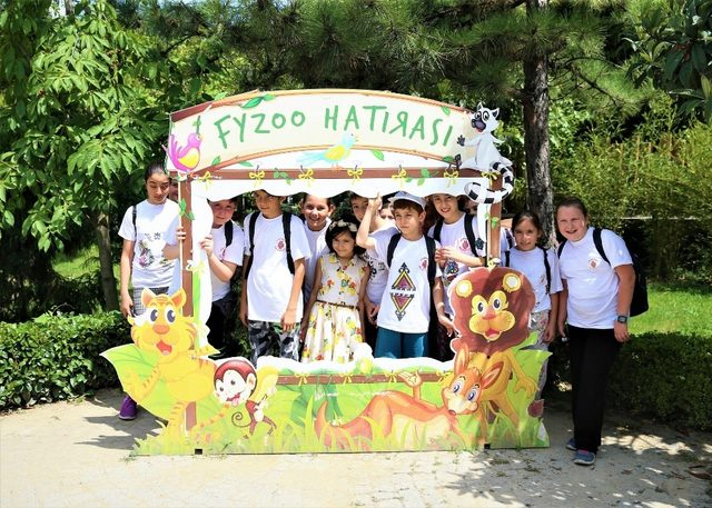 Bilge Çocuklar Darıca Hayvanat Bahçesi'ni gezdi