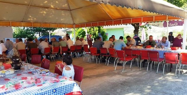 Vali Ersoy, kahvaltıda vatandaşlarla buluştu