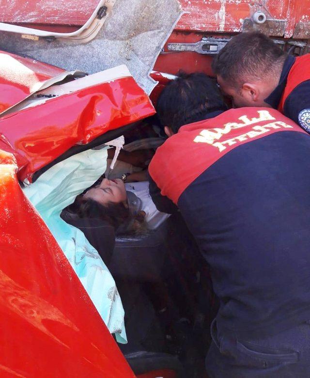 Akılalmaz kazadan sağ kurtuldular