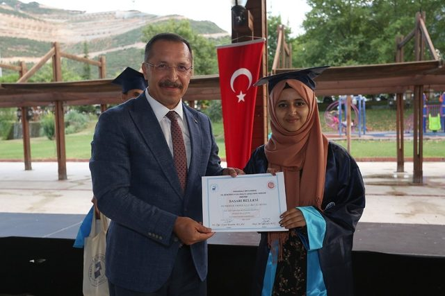 PAÜ'lü 31 yabancı öğrenci Türkçe öğrenim belgesi aldı