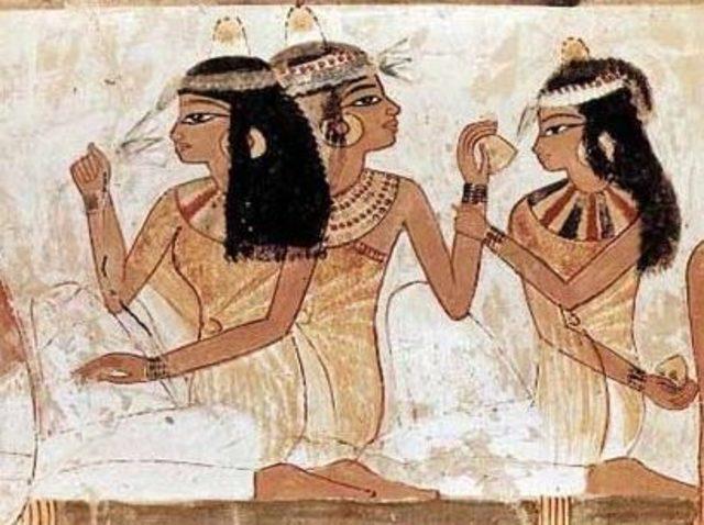 Eski Mısırda Yaşayan Kadınların Gençlik Ve Güzellik Sırları