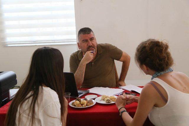 Efeler Belediyesi geleceğe ışık tutuyor