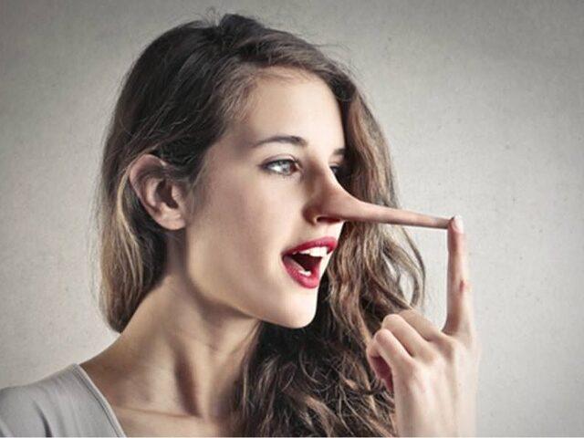 Karşınızdakinin Mimiklerinden Yalan Söylediğini Nasıl Anlarsınız?