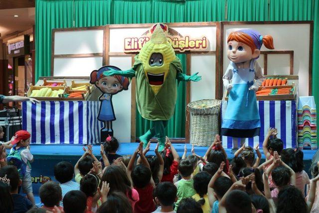 Çizgi film karakteri Elif çocuklarla buluştu