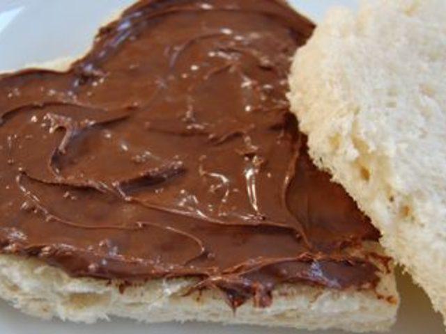 Salçalı ekmek mi; yoksa Nutellalı ekmek mi?