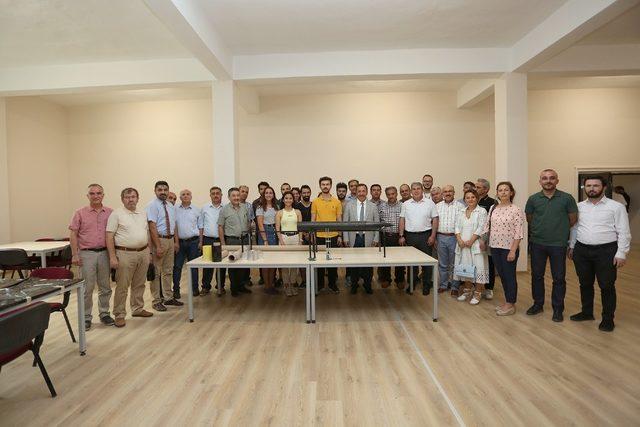Rektör Bağ'dan finalist öğrencilere tam destek