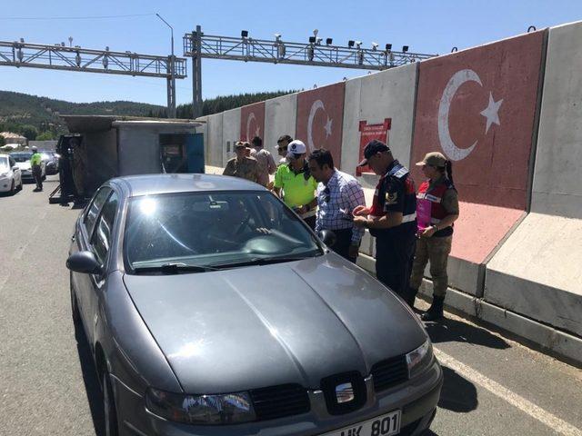 Jandarma Ve Polisten Sekerli Bayram Uygulamasi Elazig Haberleri