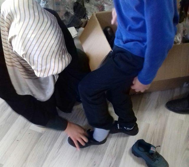 Van İHH'dan çocuklara bayramlık sürprizi