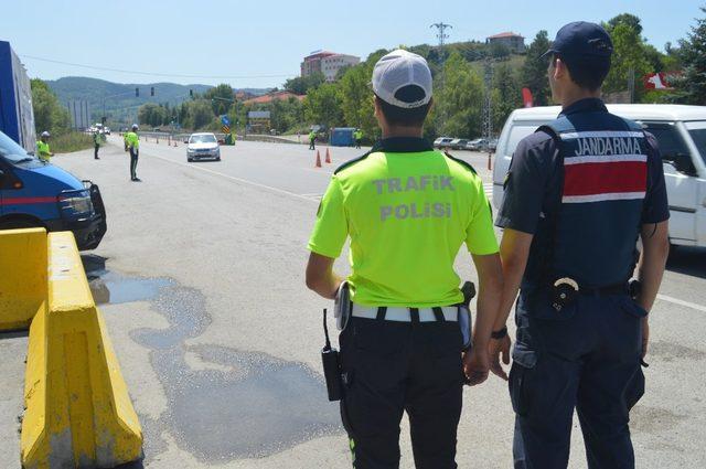Sürücülere videolu emniyet kemeri uyarısı