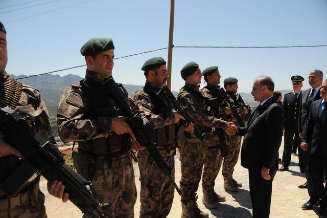 Emniyet Genel Müdürü, Tunceli'de güvenlik güçleriyle bayramlaştı