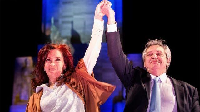 Ülkenin eski solcu lideri Cristina Fernández ve adaylık yarışında desteklediği Alberto Fernández