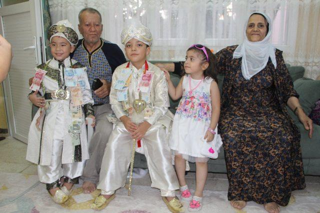 Türk ve Çinli çiftin çocuklarına Nusaybin'de sünnet