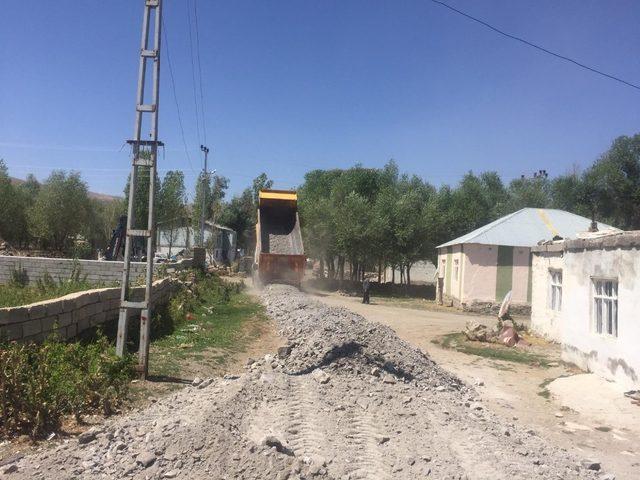 Çaldıran belediyesinden alt yapı çalışmaları