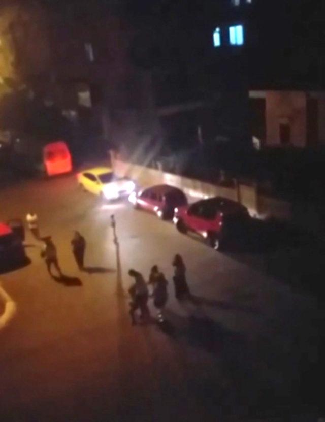 Çocuğu sokak ortasında dövdü