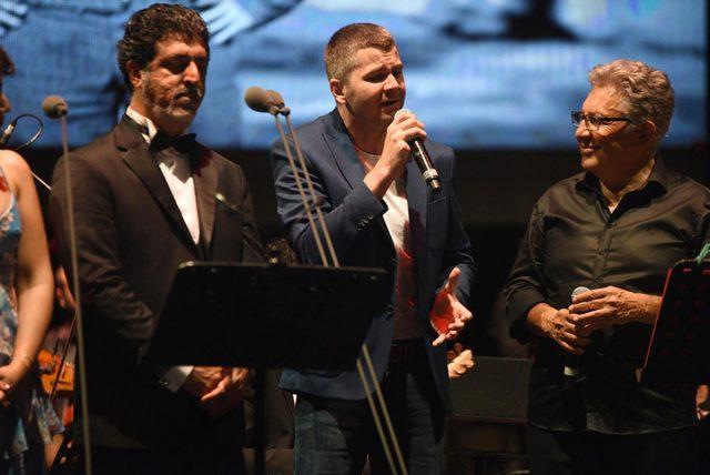 Bodrum'da konser veren Zülfü Livaneli: Kadına şiddet, salgın hastalık gibi