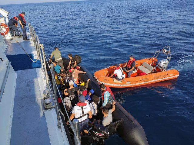 Didim'de karada ve denizde 79 göçmen yakalandı