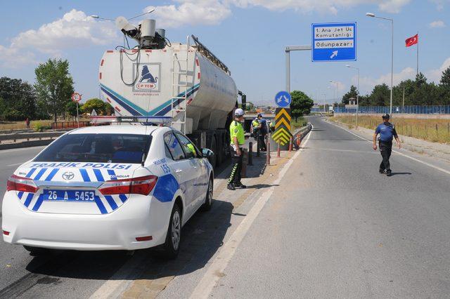 Yaya geçidine 100 metre mesafede kamyonun çarpmasıyla öldü