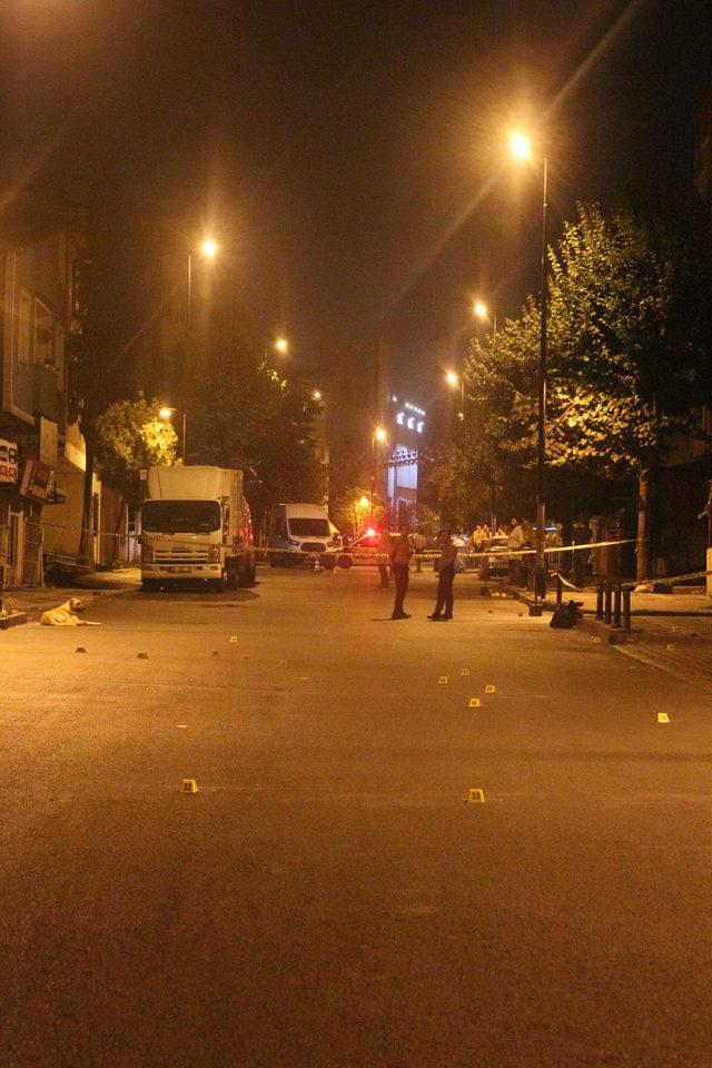 (Özel haber) Ümraniye'de iki grup arasında silahlı çatışma: 2 yaralı