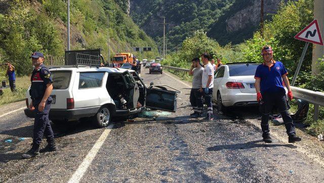 Karabük'te 3 araçlı zincirleme kaza: 2 ölü, 7 yaralı